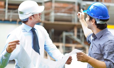 Bauleiter während Bauleitung