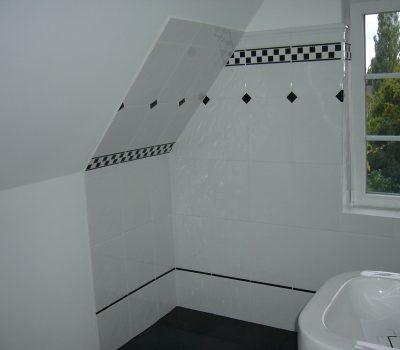 Umbau: Dachstockausbau zu neuem Badezimmer