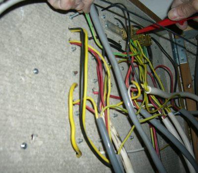 Elektrisch: Installation Sicherungskasten inkl. Schaltpult